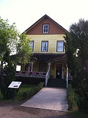 Riddle House - Photo Credit: http://en.wikipedia.org/wiki/User:12george1